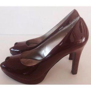 Nine West Patent Leather Pumps Size 8.5 Peep Toe